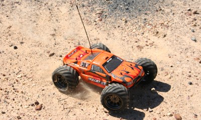 HPI Bullet 3.0 ST Flux on dirt